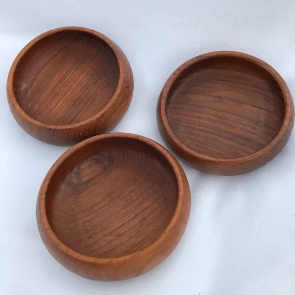 LOT SET OF 3 vintage solid wood hand craved bowls